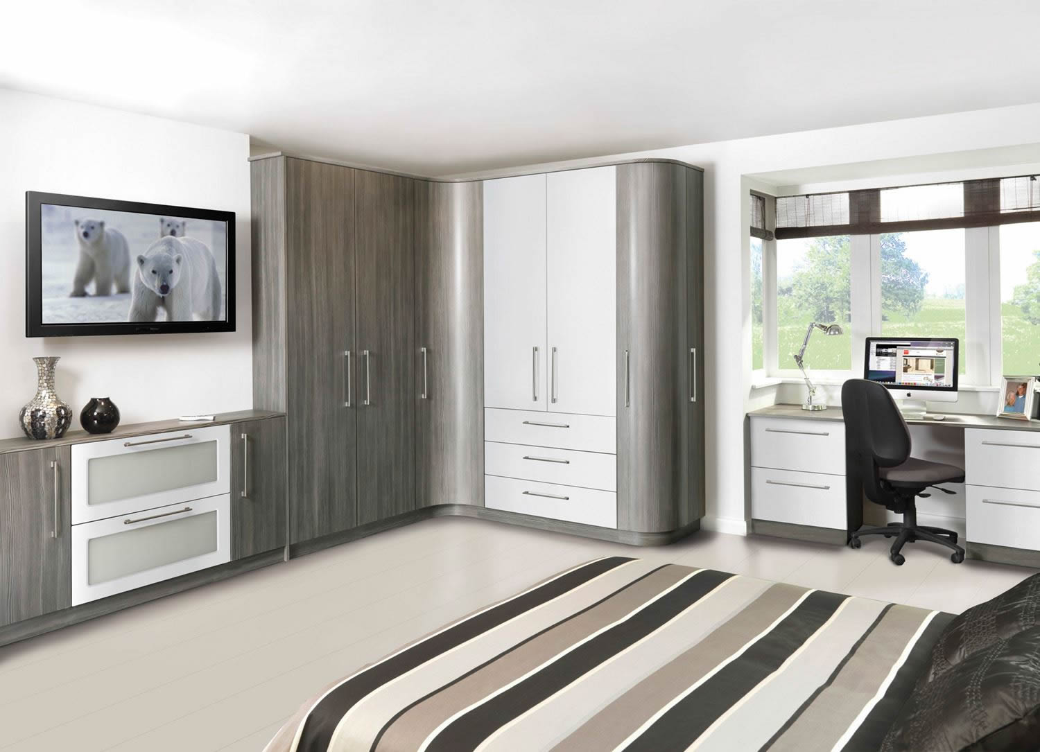 Fitted wardrobes for your bedroom telford shropshire for Fitted bedroom furniture